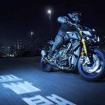 2017-Yamaha-MT-10-SP-в движении