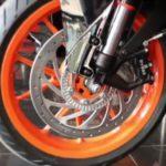 KTM RC 390 переднее колесо - тормозной диск
